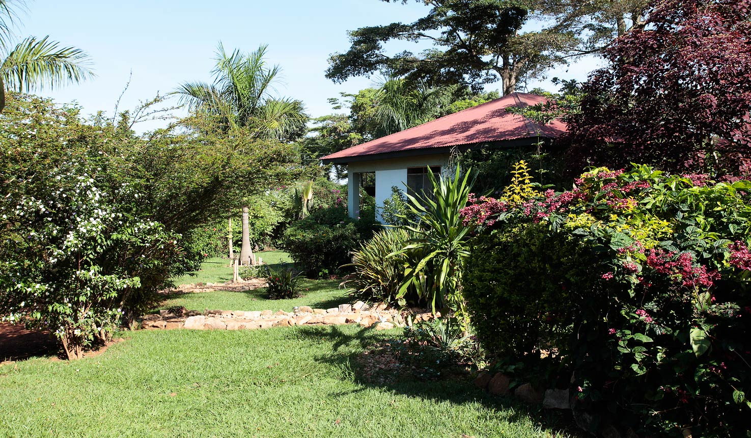 Gately Inn Entebbe Lodge Cottages - A natural rustic Feel